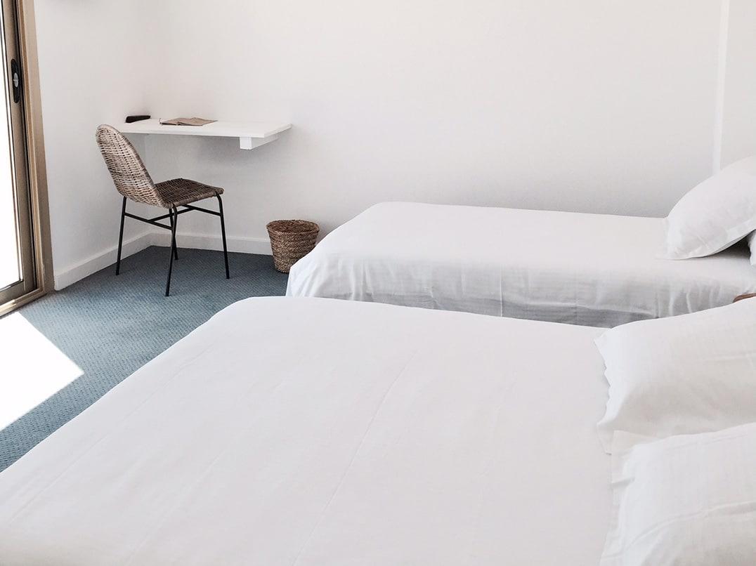 01-chambre-triple-terrasse-blanc-sable-hotel