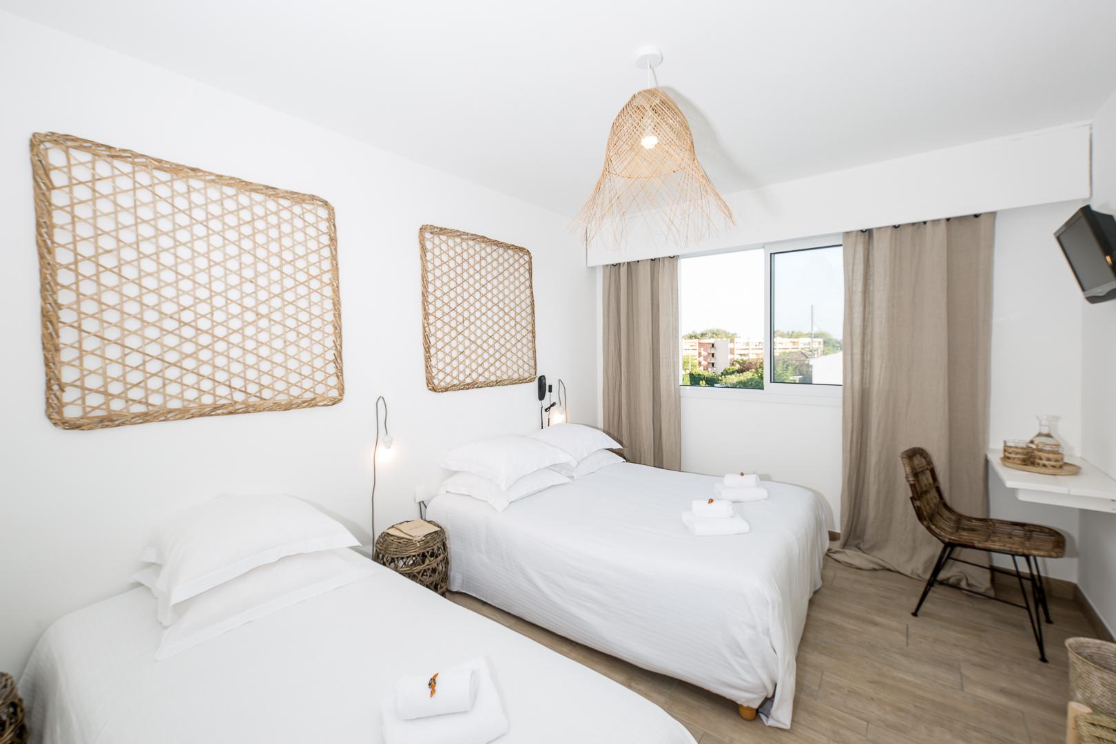 blanc-sable-hotel-vallauris-golfe-juan-chambre-double-triple-01